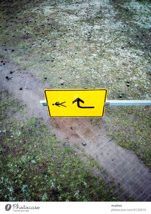 foolish act Lawn off Snow sign Arrow Direction bowled over Change in direction Diversion Road marking Signs and labeling Orientation Navigation Turn off Go up