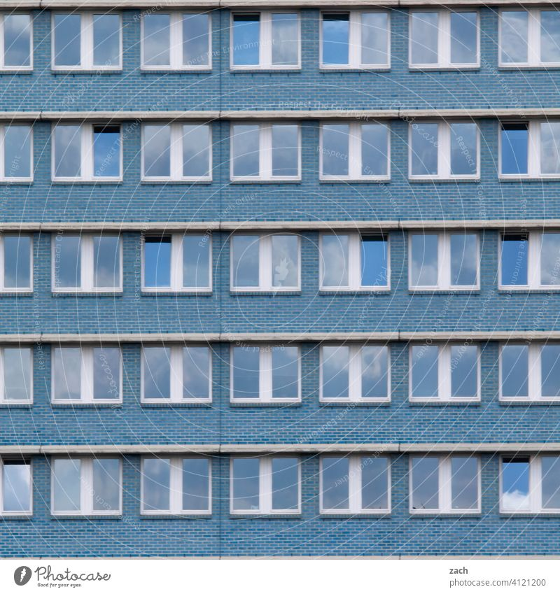 All only facade Pattern Loneliness Window Concrete Line Living or residing Facade Wall (building) Wall (barrier) Architecture Manmade structures Deserted