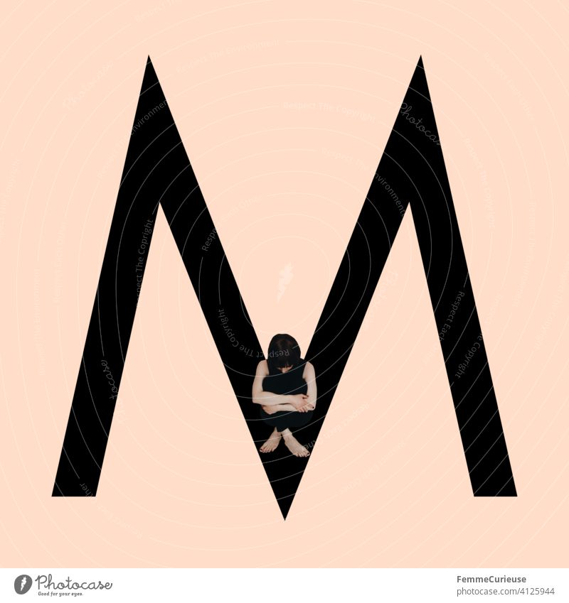 Graphic shows black letter M of the Latin alphabet against a skin-coloured background and integrated photographic full-body shot of a posing brunette woman with bob hairstyle in black one-piece suit