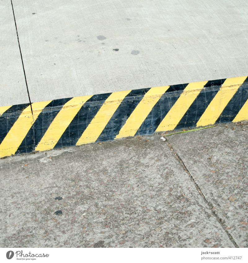 no-parking zone Black Yellow Street Lanes & trails Arrangement Transport Concrete Signage Simple Stripe Pure Firm Barrier Testing & Control Pavement Sharp-edged