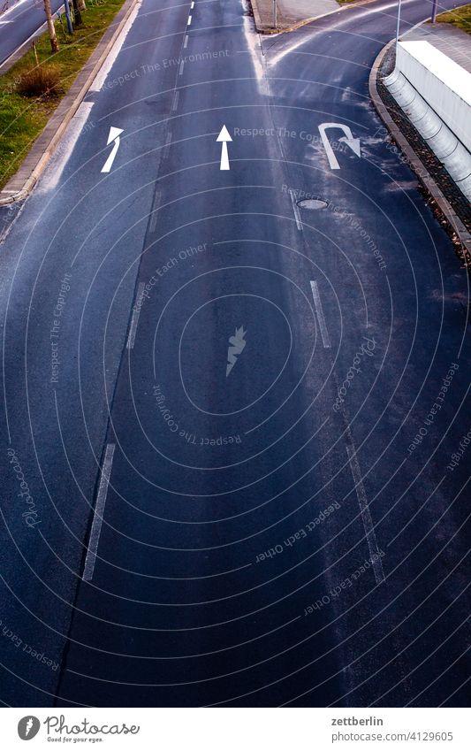 Turn, go straight, or make a U-turn? Turn off Asphalt Highway Corner Lane markings Bicycle Cycle path Clue edge Curve Line Left navi Navigation Orientation