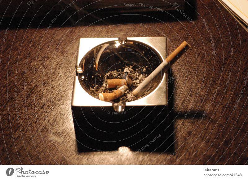 Wood Table Smoking Living or residing Desk Cigarette Ashes Chrome Ashtray Cigarette Butt