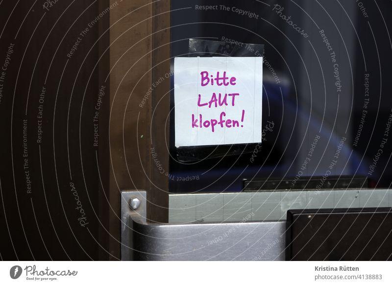 please knock loudly note Loud Knock Knock at the door Entrance Front door Glass door Door opener Piece of paper memo Clue info Handwriting Handwritten purple