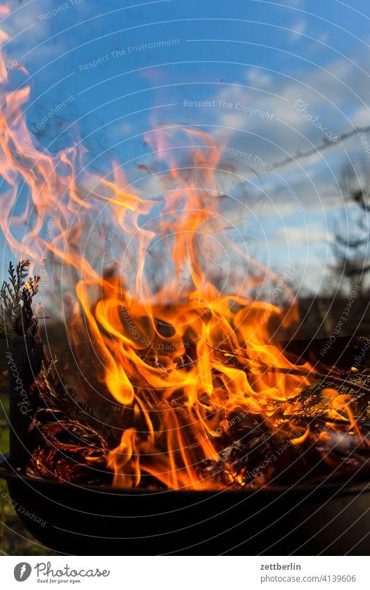 Fire again ash Burn fire bowl Fire department Flame peril Dangerous Embers Hot ardor blaze Easter fire incinerate sb./sth. incineration Insurance Garden plot