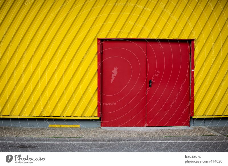Red Yellow Street Wall (building) Lanes & trails Wall (barrier) Gray Stone Line Facade Metal Fear Door Beginning Joie de vivre (Vitality) Concrete