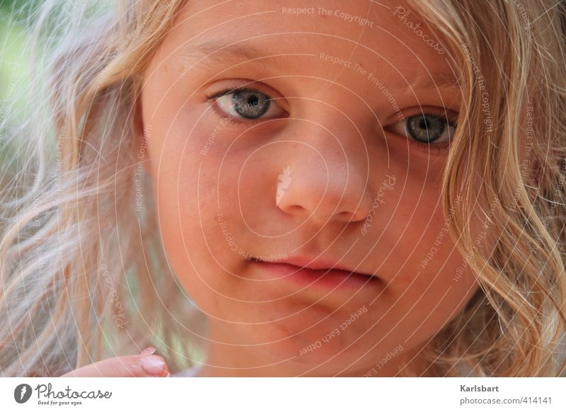 Human being Child Nature Summer Girl Face Environment Life Emotions Happy Head Healthy Leisure and hobbies Blonde Infancy Study