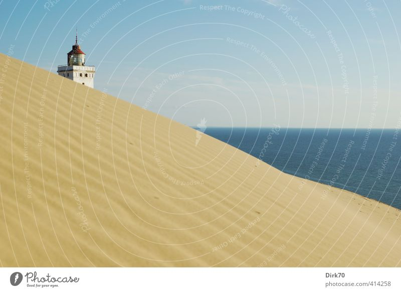 Blue Old Water White Summer Ocean Red Black Far-off places Yellow Warmth Coast Sand Horizon Beautiful weather Historic