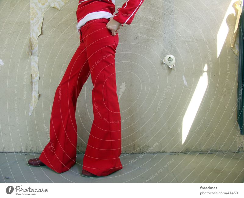 socket Wallpaper Provocative Shaft of light Style Red Fist Socket Dust Converse Woman clout Legs walls Old Advancement Partially visible Fashion