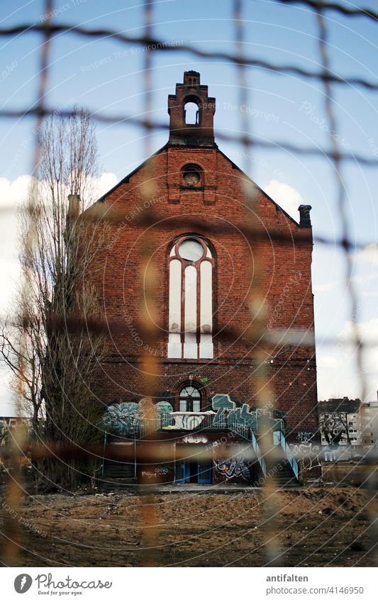 Protective measures Chapel Fence Fenced in lost places Building jail Architecture Colour photo Deserted Manmade structures Old Decline