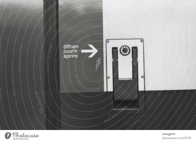 door opener Railroad Switzerland Photographic technology three languages