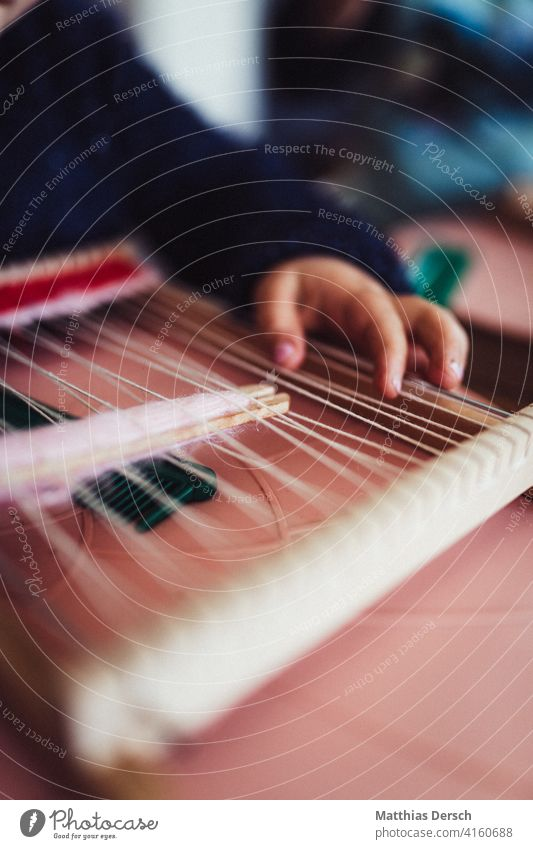 Weaving Child Girl Weave weaving frame hobby Leisure and hobbies Craft (trade) Infancy Playing