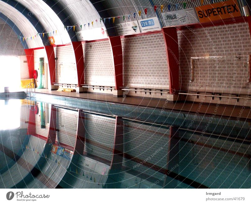 spaceship Swimming pool Reflection Interior shot Calm Architecture Water Sports Modern