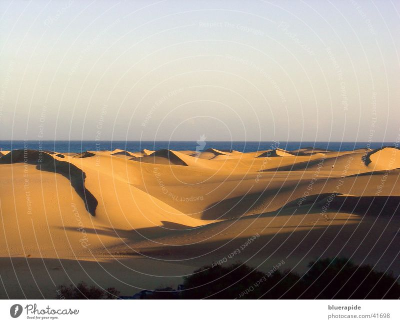 Sky Ocean Red Vacation & Travel Colour Warmth Sand Gold Desert Physics Hot Hill Beach dune