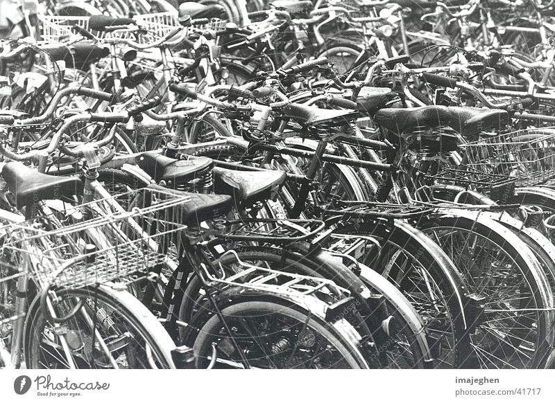 wheel melange Bicycle Chaos Parking Knot Mixture Heap Multiple Closed Integration Transport Many bicyclette compaction
