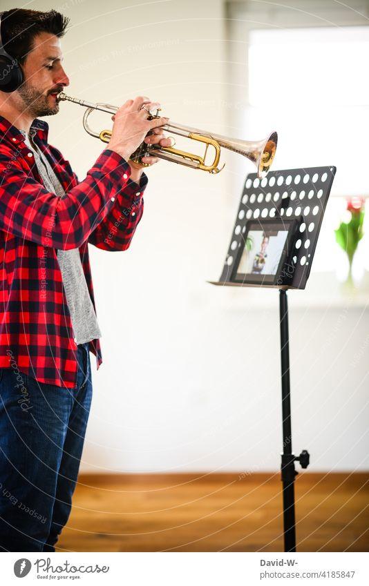 online lessons - music teacher teaches students via transmission Online Lessons Musician Music tuition music student pandemic coronavirus Child Man Ipad