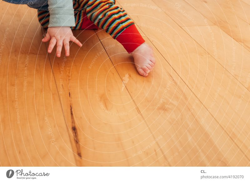 baby breakdance Baby Toddler Hand Feet wooden floor Flat (apartment) Crawl Movement Barefoot Toes 0 - 12 months Infancy at home Life Fingers Child Small Cute