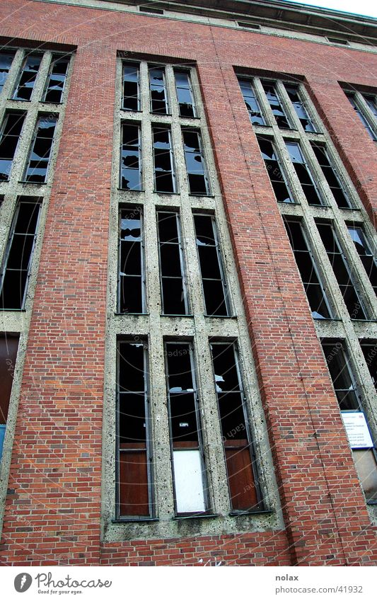 demolition house Factory Building for demolition Brick Industry broken windows