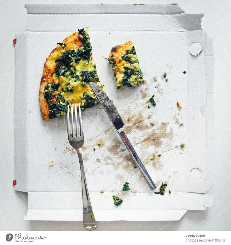 Pizza in einem Karton Fast food Food Essen Italian Food Lunch Dinner lunch pizza service Pizzakarton dinner flat lay above view fast food melted cheese