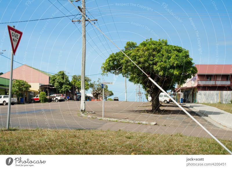 Intersection Douglas Street / Blackall Street Thursday Island Australia Environment Main street Electricity pylon Idyll Calm Authentic Traffic infrastructure