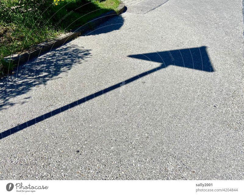 Recommendation | Road traffic regulations... Shadow Road sign Triangle triangular Warn Urban traffic regulations Asphalt Street Lanes & trails
