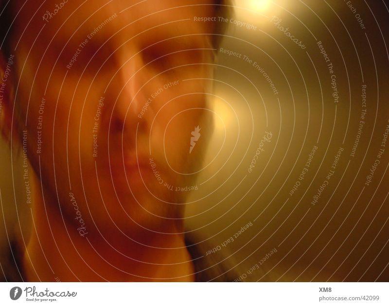 avec moi Light Sleep Elevator Photographic technology Human being Gold