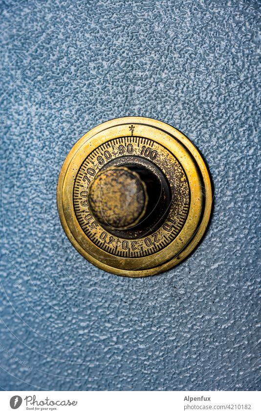 Combination.... Safe Safety Metal number combination Rotary knob Wheel Numbers Digits and numbers Deserted Colour photo Detail Old Technology Close-up Gold