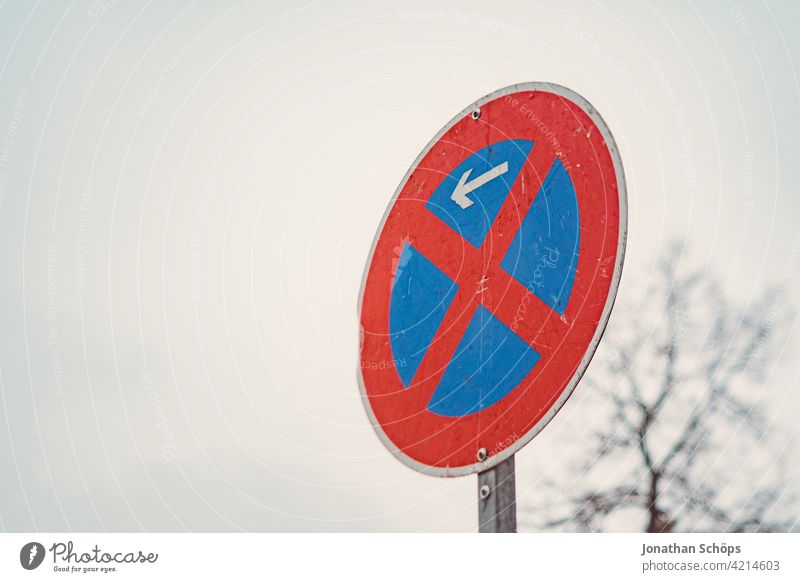 Traffic sign absolute no stopping beginning according to StVO Road sign absolute ban on holding Aluminium Street interdiction Laws and Regulations regulate