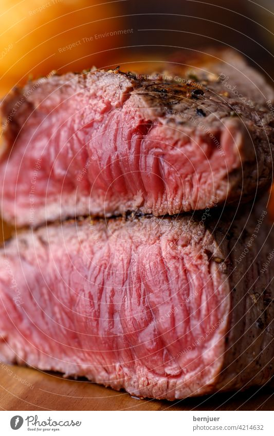 grilled steak on a chopping board beef steak English Slice halved Steak Dumpling Chopping board roasted Meat Juicy Eating Barbecue (apparatus) Plate Delicious