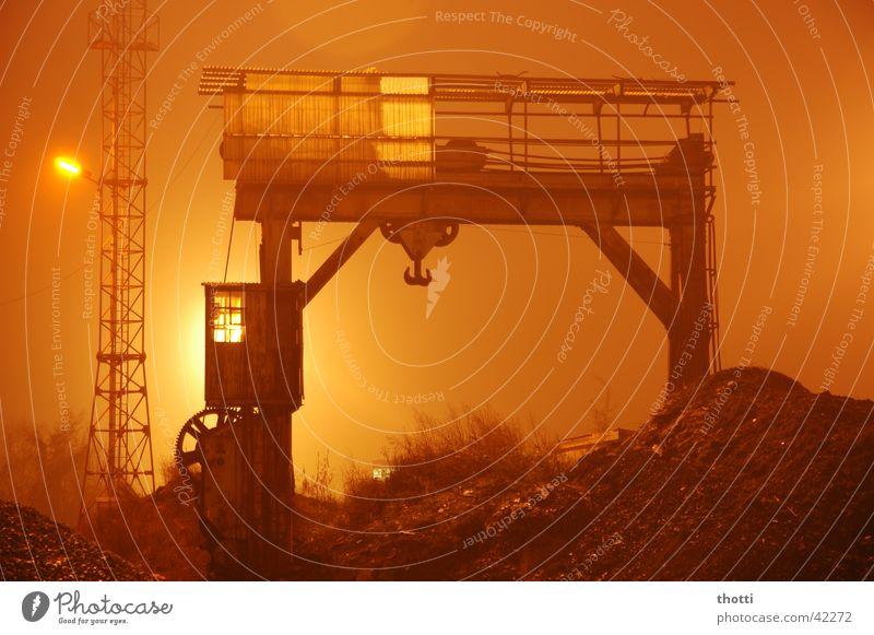 n8 shift Crane Fog Night Consign Light Long exposure Industry Railroad Train station Goods Logistics Floodlight