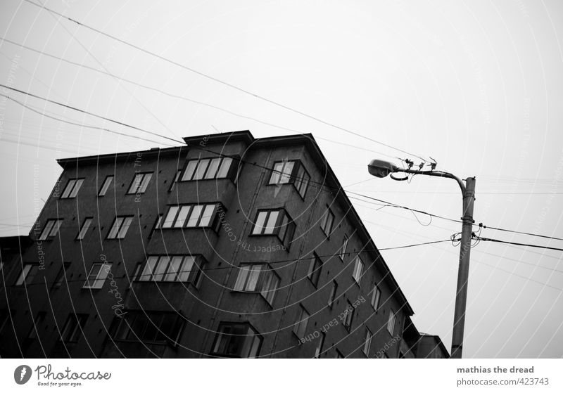 wired Town Deserted House (Residential Structure) Manmade structures Building Architecture Window Old Exceptional Threat Dark Gloomy Street lighting Cable