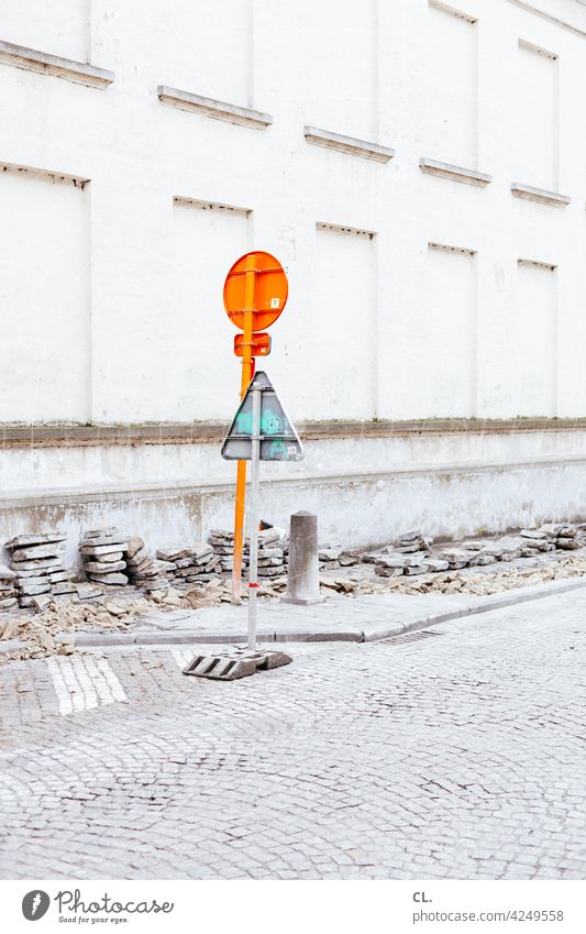 traffic signs Road sign Street Construction site Cobblestones Lanes & trails Signs and labeling Traffic infrastructure Signage Road traffic Warning sign Safety