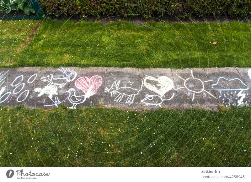 Paving painting on the garden path Image Sidewalk outdoors outdoor painting Garden path illustration children's painting Chalk chalk painting Chalk drawing Art