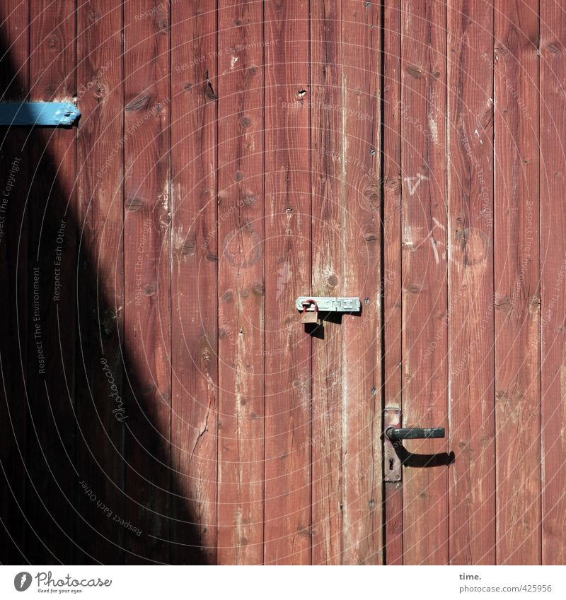 Think tank (after work mode) Laboe Door Door handle Lock Hinge Wing of a door Wood Line Stripe Old Authentic Sharp-edged Firm Gloomy Dry Mysterious Uniqueness