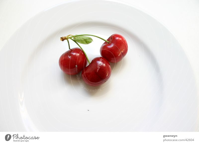 red cherries Cherry Plate White Red Sweet Nutrition Fruit Macro (Extreme close-up)