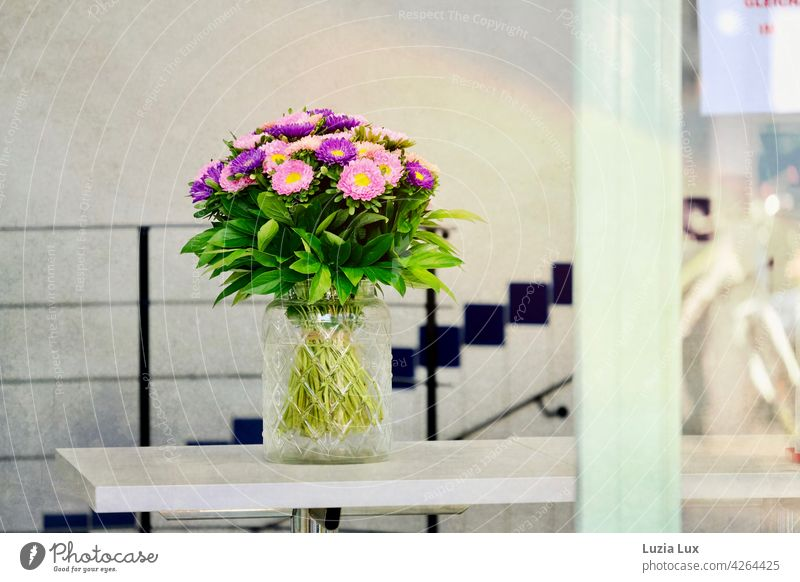 A bouquet of flowers embellishes the barrier of the ice cream parlour, only to go Ice Ice-cream parlor Bouquet Summer Flower Spring Decoration pretty Blossom