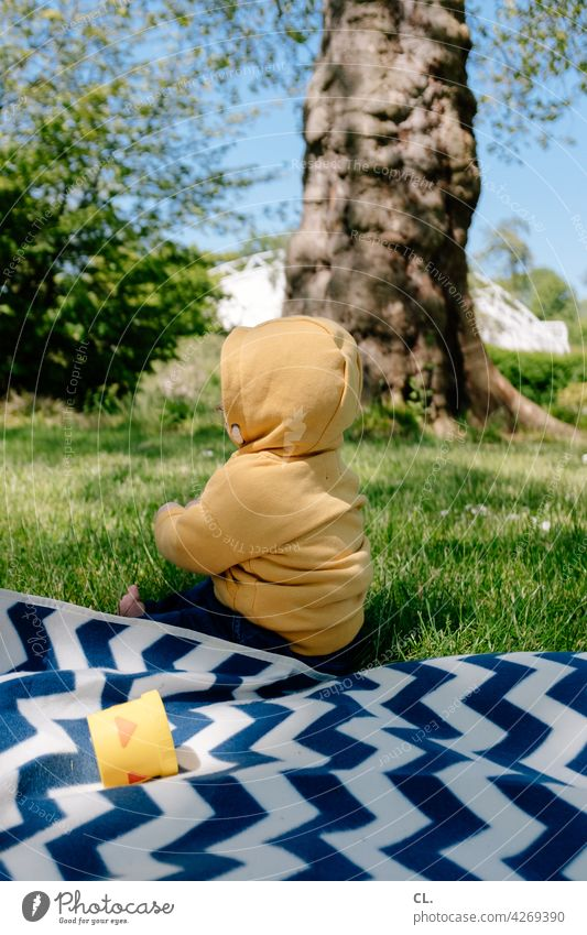 2800 / reason for joy Baby Toddler Park Meadow Picnic picnic blanket Spring Summer Grass Happy Joy Nature Infancy Happiness Cute Cheerful Small Sit