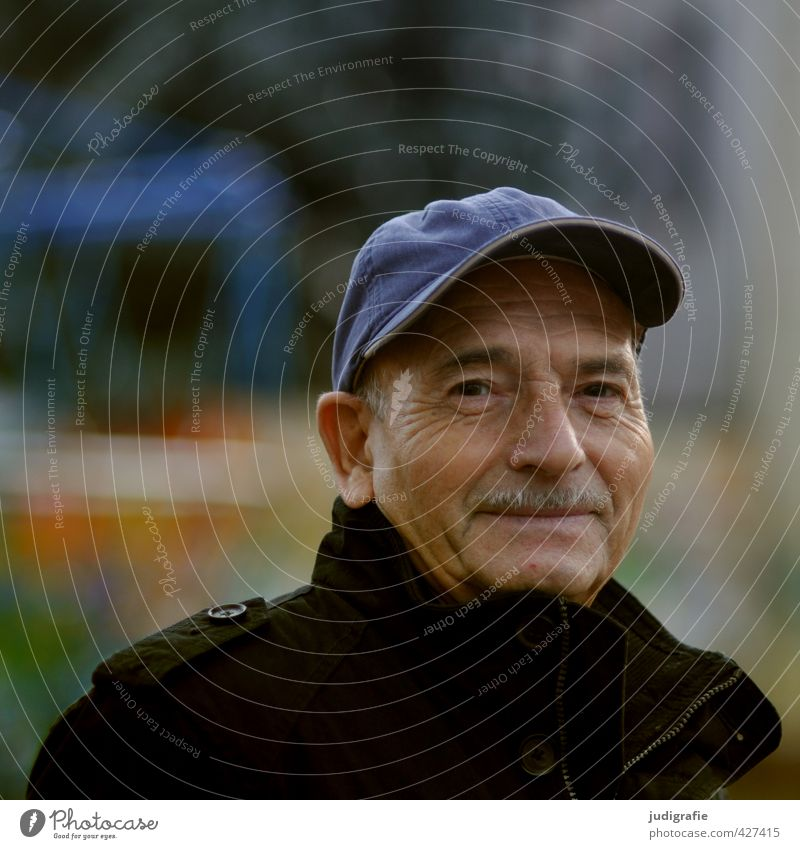 Eighty Human being Masculine Man Adults Male senior Father Life Head 1 60 years and older Senior citizen Hat Smiling Authentic Friendliness Emotions Contentment