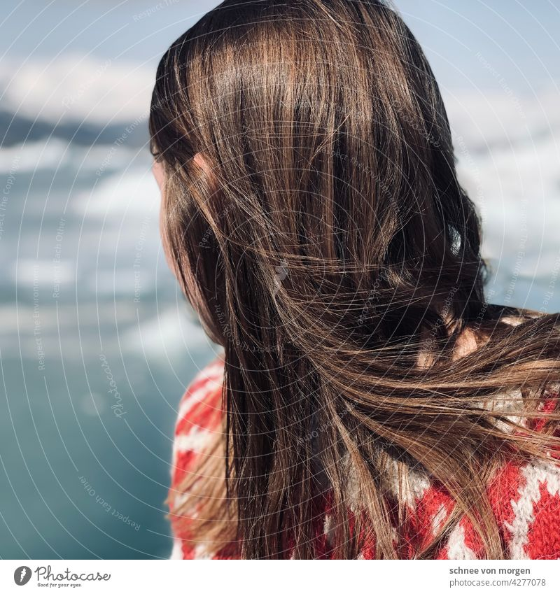 look away person Human being Iceland Woman hair Looking Horizon Hair and hairstyles Head Adults Feminine Colour photo 18 - 30 years Sweater Dream Wind Nature