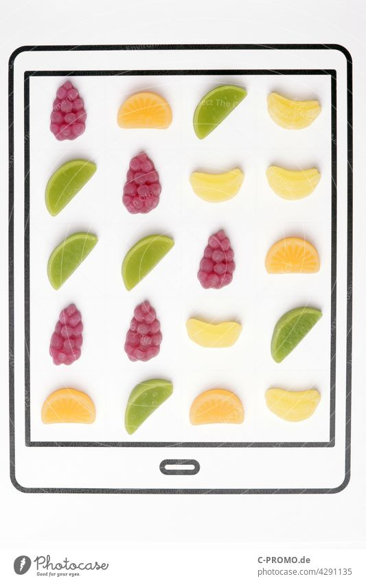 Analog Candy Crush candy crush APP mobile-game puzzle computer game Eating fruit cute White segregated Delicious close up luscious Overweight