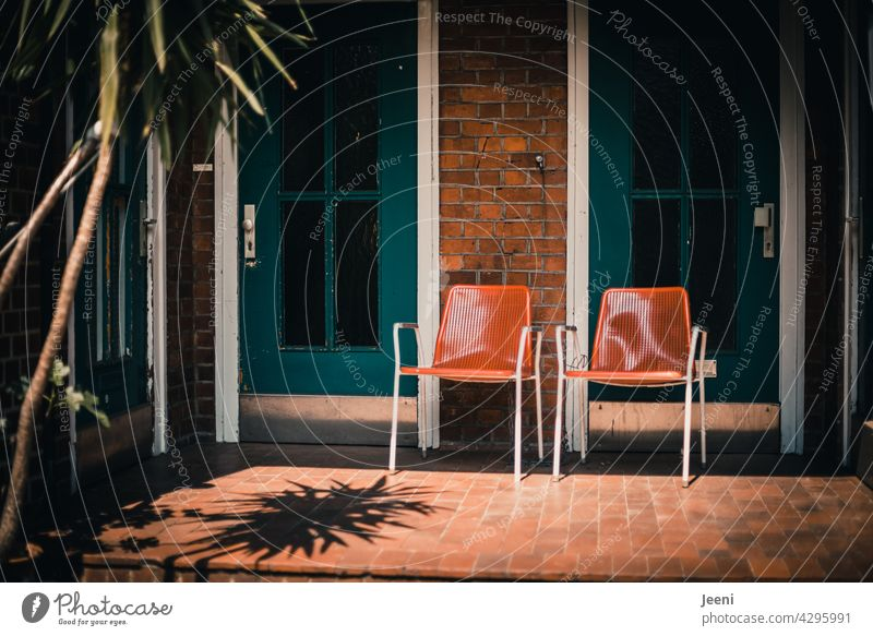 Good neighborhood idyll chairs two Town urban urban life House (Residential Structure) at home Neighbor neighbourhood Neighbourhoods chat have a chat maintain