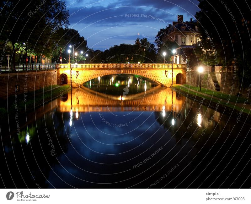 Strasbourg de nuit IV Night Long exposure l'Ill Bridge Place de la République