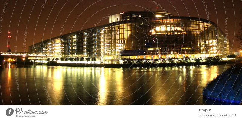 Strasbourg de nuit VI Night European Parliament Long exposure Architecture l'Ill Sewer