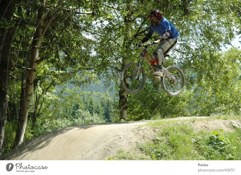 Jumpin in the bikepark 3 Mountain bike Hill Bicycle Sports bike park
