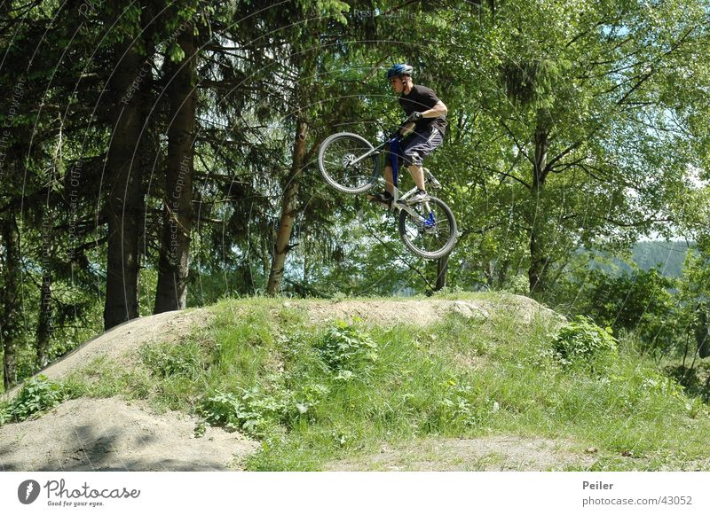 Jumpin in the bikepark Mountain bike Hill Bicycle Extreme sports bike park