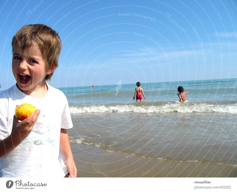 Human being Child Water Joy Vacation & Travel Beach Ocean Relaxation Boy (child) Laughter Small Mouth Leisure and hobbies Infancy Fruit Swimming & Bathing