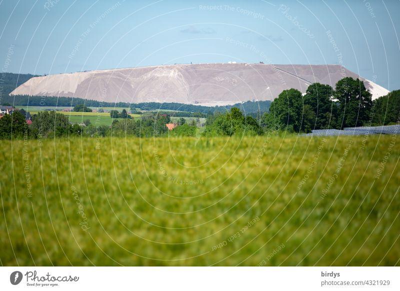 Monte Kali, potash tailings mine near Neuhof district of Fulda. K+S potash mine Potash and salt Refuse tip Gigantic salt mine Environmental pollution