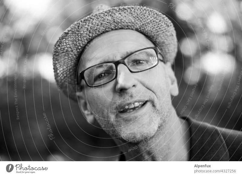 Hello.... |Parktour HH 21 Face Man portrait Black & white photo Facial hair Nose Head Eyeglasses Hat Masculine Human being Adults Looking into the camera Mouth