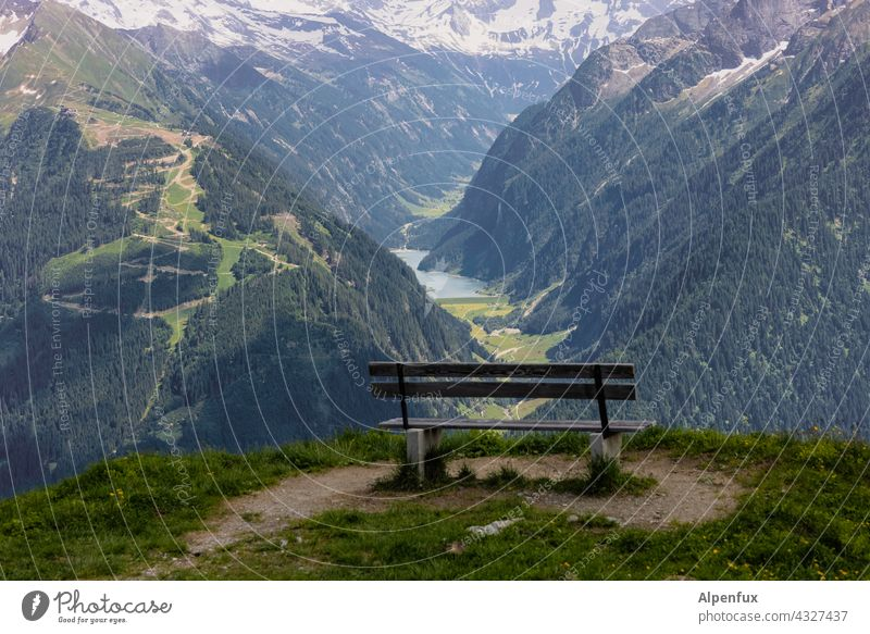 Good prospects Vantage point Bench Panorama (View) Exterior shot Mountain mountains Valley Alps Far-off places Peak Rock Hiking rest To enjoy Vacation & Travel