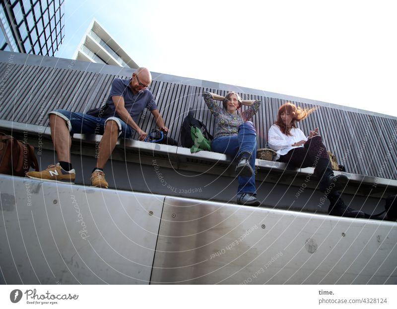 ParkTour HH21   long bench Bridge Sit urban Woman Man High-rise Worm's-eye view rest Break Concrete Wood Sky sunny Sunlight
