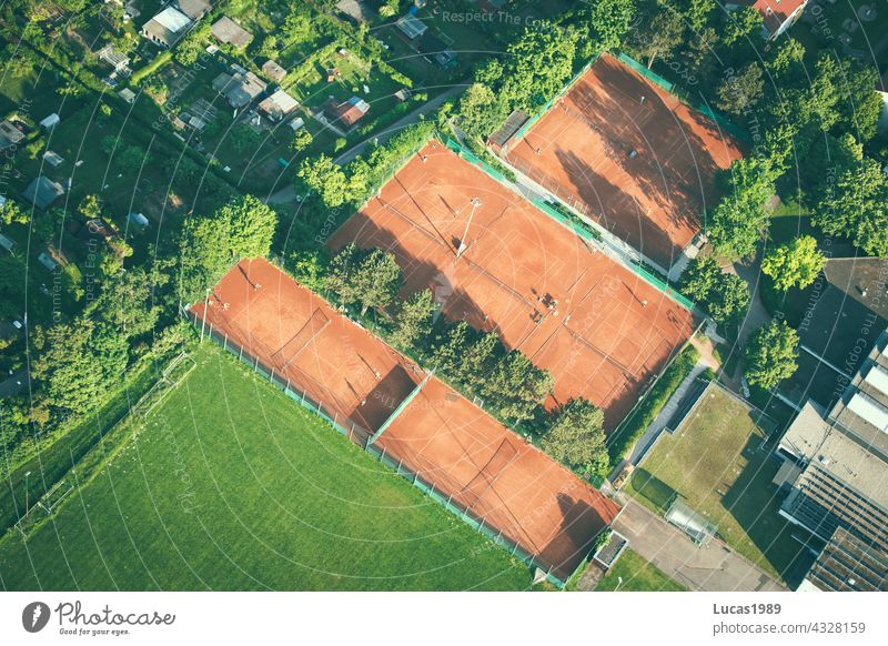 Tennis court from above Forest Bird's-eye view Balloon flight Sunset Street Lanes & trails Discover Adventure Expedition Tall in midair Nature quiet silent Airy